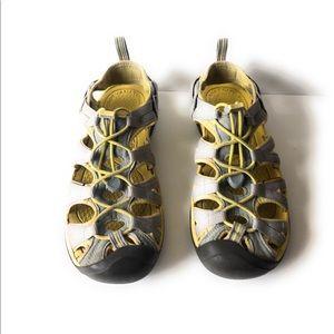 Keen Whisper womens sandal Gray/yellow Sz 8